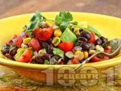 Бобена салата с черен боб от консерва, чери домати, царевица и авокадо - снимка на рецептата